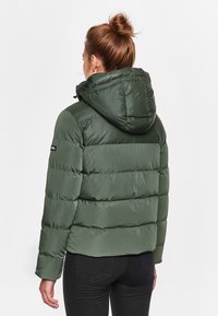 National Geographic - Winter coat - thyme - 1