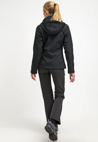 Columbia - CASCADE RIDGE - Soft shell jacket - black - 2