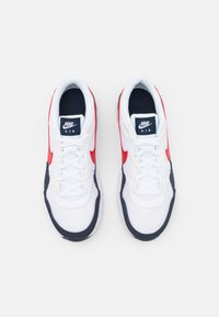 Nike Sportswear - AIR MAX SC UNISEX - Trainers - white/university red/obsidian - 3