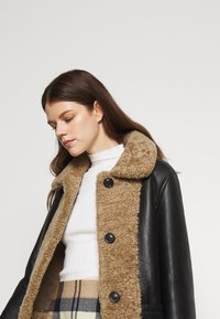 STUDIO ID - OLIVIA CONTRAST FRONT JACKET - Winter jacket - black/cream - 6
