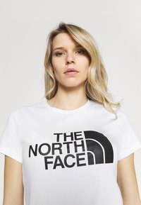 The North Face - EASY TEE - Print T-shirt - white - 3