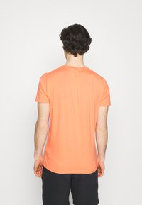 Hollister Co. - 7 Pack - T-shirt basique - white/soft red/orange/yellow/turquise/blue - 2