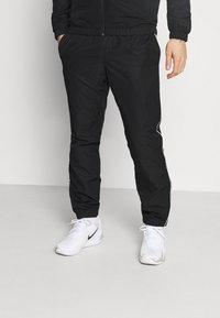 Lacoste Sport - TRACK SUIT SET - Veste de survêtement - black/white - 3