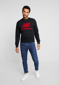 New Balance - ATHLETICS STADIUM CREW - Sweatshirt - black - 1