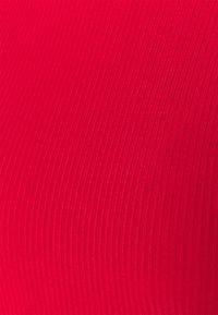 NA-KD - OPEN BACK HIGHNECK BODYSUIT - Long sleeved top - red - 5