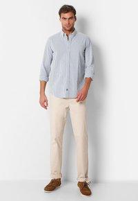 Scalpers - SCALPERS TEXTURED STRIPED SHIRT - Shirt - blue stripes - 1