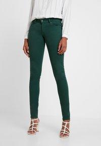 Pepe Jeans - SOHO - Tygbyxor - forest green - 0