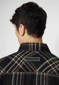 Pegador - DELTA HEAVY ROUND UNISEX - Button-down blouse - atenas - 7