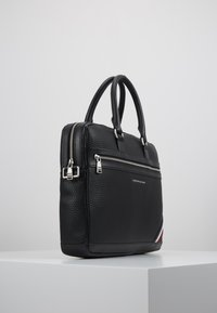 Tommy Hilfiger - DOWNTOWN COMPUTER BAG - Taška na laptop - black - 3