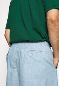 Polo Ralph Lauren Big & Tall - CLASSIC FIT PREPSTER - Shorts - light blue - 3