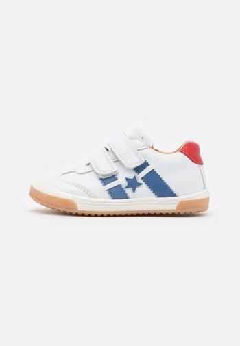 JOHAN - Touch-strap shoes - white