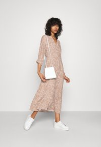 YAS - YASCORNA LONG DRESS - Skjortekjole - tawny brown - 1