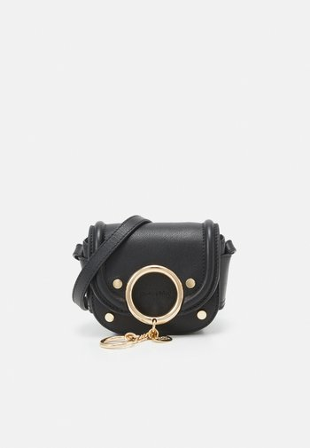 Mara mini shoulder bag