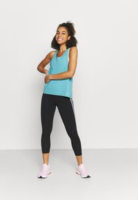 Under Armour - ISO CHILL RUN TANK - Top - cosmos - 1