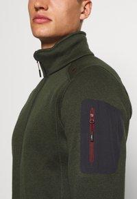 CMP - MAN JACKET - Fleecová bunda - oil green/burgundy - 5