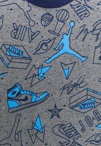 Jordan - FUN FLIGHT TEE AND SHORT UNISEX - Tracksuit - blue void - 3