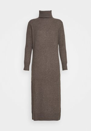 TURTLENECK DRESS - Strikket kjole - heathered brown