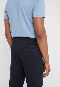 PS Paul Smith - PANTS - Teplákové kalhoty - navy - 3