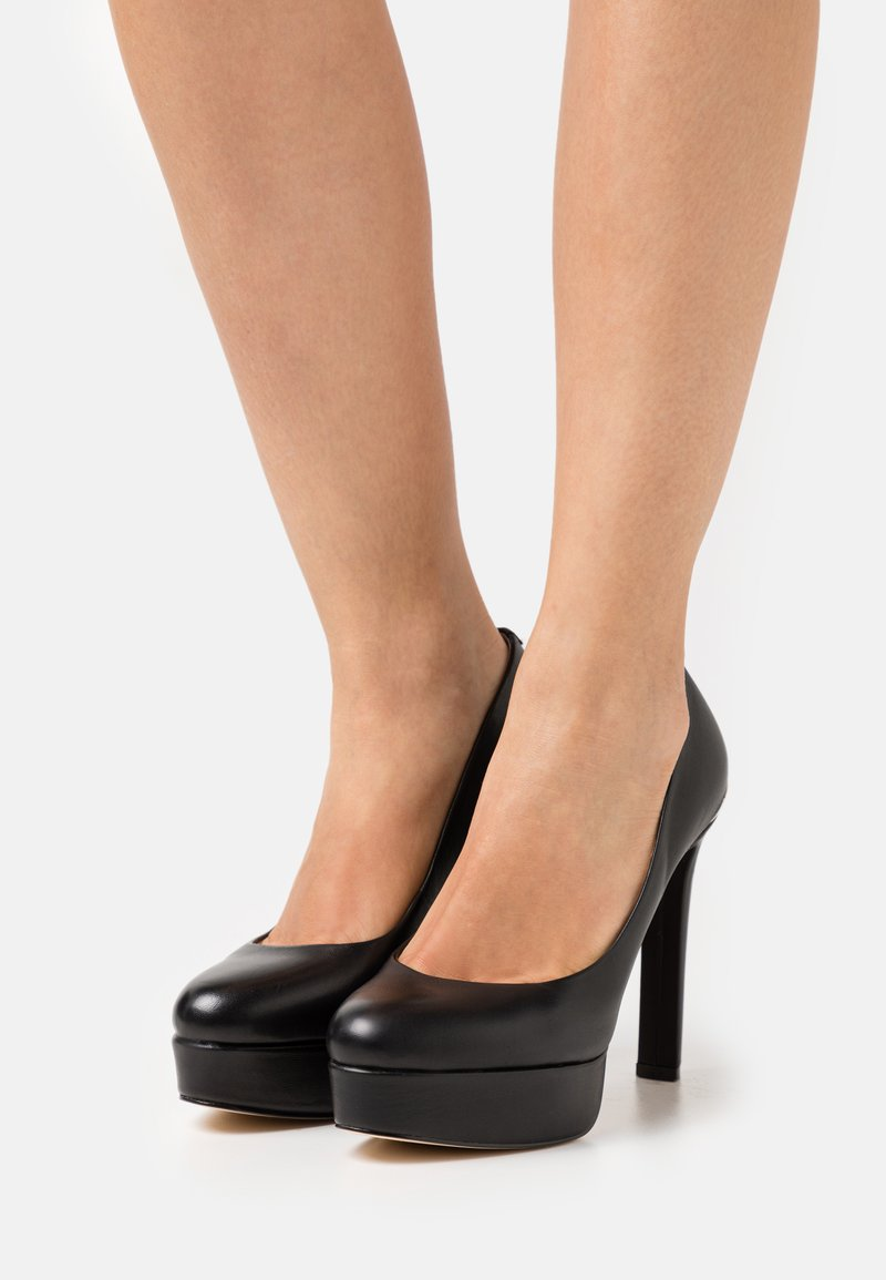 Guess - DEARLY - Platform heels - black
