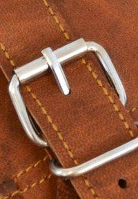 Gusti Leder - Reppu - brown - 5