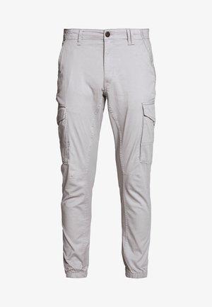 JJIPAUL JJFLAKE - Pantalon cargo - drizzle
