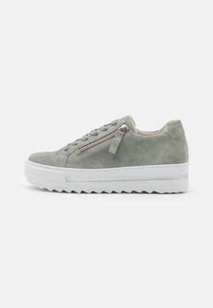 Sneakers laag - pino