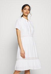 VILA PETITE - VIJESSAS DRESS - Shirt dress - cloud dancer - 0