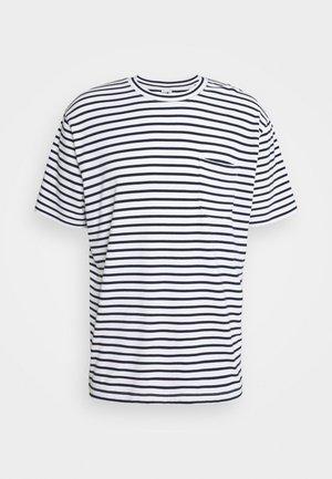 KURT - T-shirt med print - navy stripe