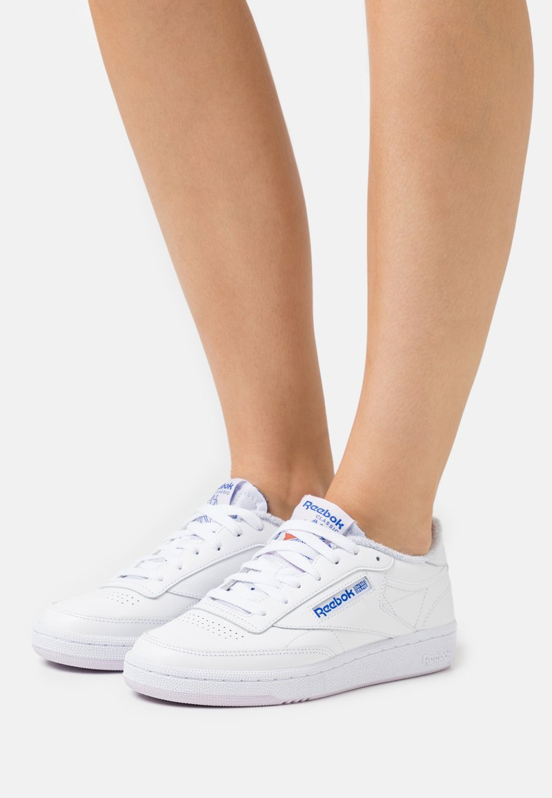 Reebok Classic - CLUB C 85 - Zapatillas - white/luminous lilac/court blue