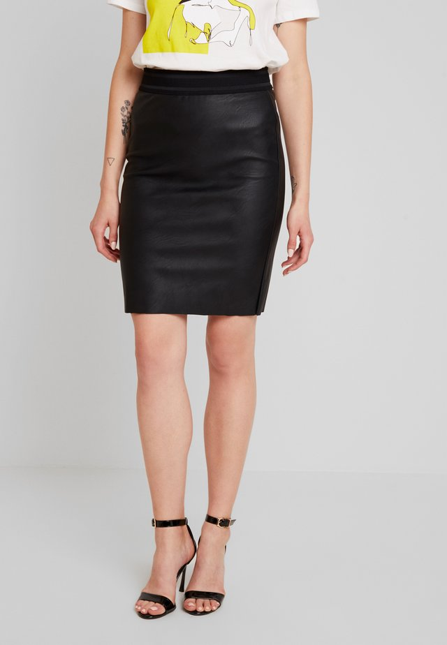 VMSTORM PENCIL KNEE SKIRT - Kynähame - black
