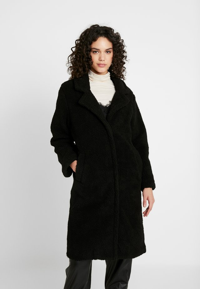 COLLARED COAT - Abrigo de invierno - black