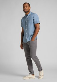 Lee - LUKE - Jeans Tapered Fit - quiet shade - 1