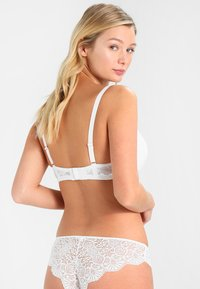 After Eden - ANNA PADDED BRA SOLID  - Kaarituelliset rintaliivit - off-white - 2