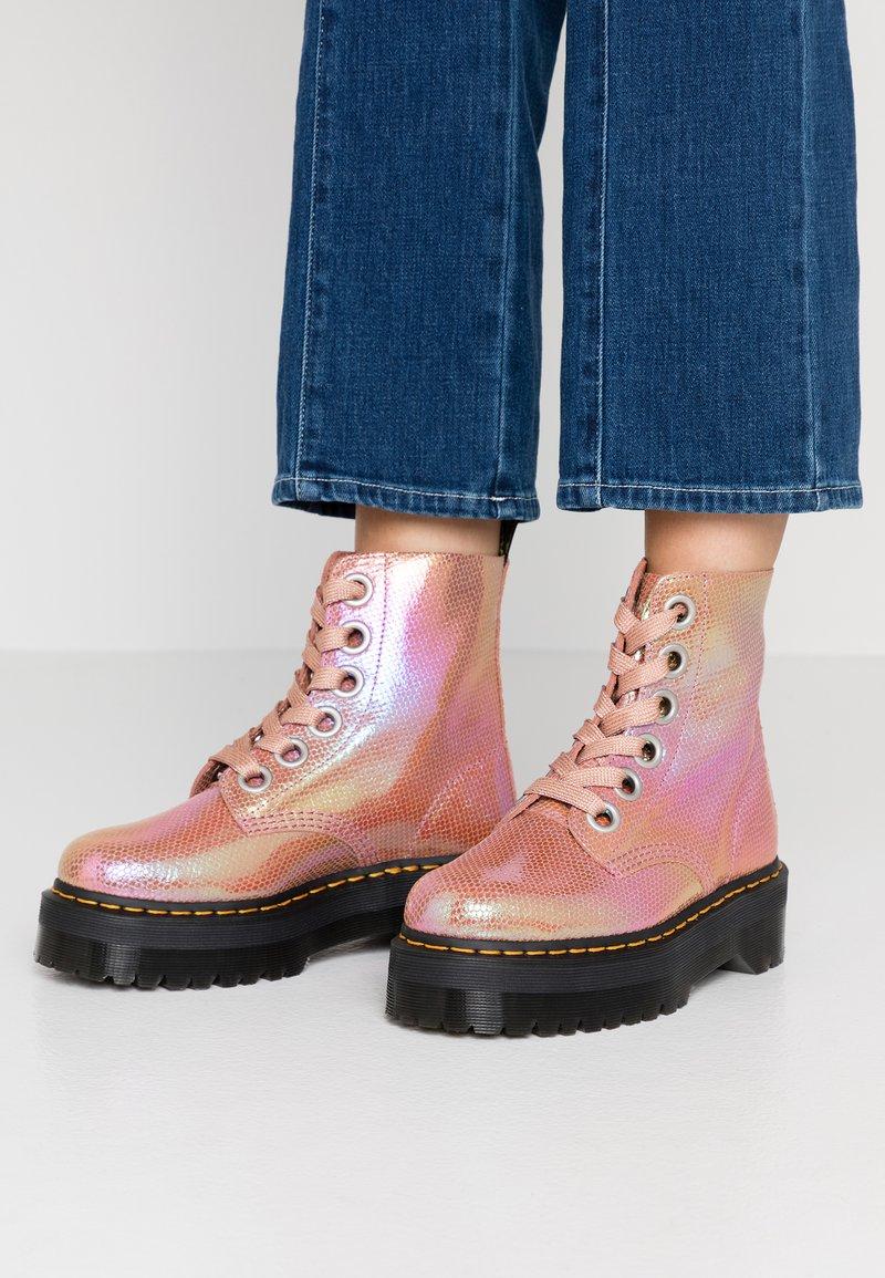 Dr. Martens - MOLLY - Botines con plataforma - pink iridescent