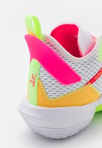 Jordan - WHY NOT ZER0.4 - Chaussures de basket - white/citron pulse/hyper pink/lime glow - 5