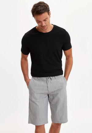 DEFACTO MAN GREY - Shorts - grey