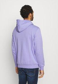 adidas Originals - OMBRE UNISEX - Sweatshirt - light purple - 2