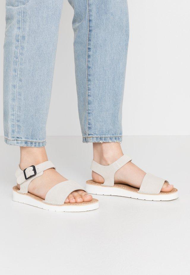LUNAN STRAP - Sandaalit nilkkaremmillä - white
