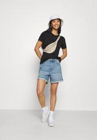 Nike Sportswear - TEE CREW - T-shirt basic - black - 1