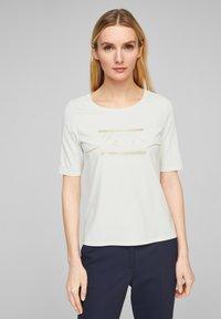 s.Oliver BLACK LABEL - MIT STATEMENT-PRINT - Print T-shirt - soft white love print - 0