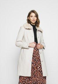 Forever New - LINDA DOLLY - Classic coat - cream - 0