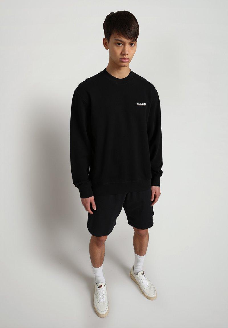 Napapijri - B-PATCH CREW - Sweatshirt - black