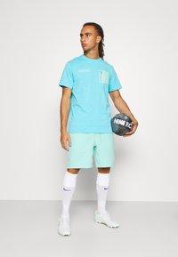 Nike Performance - FC BARCELONA SHORT - Club wear - tropical twist - 1