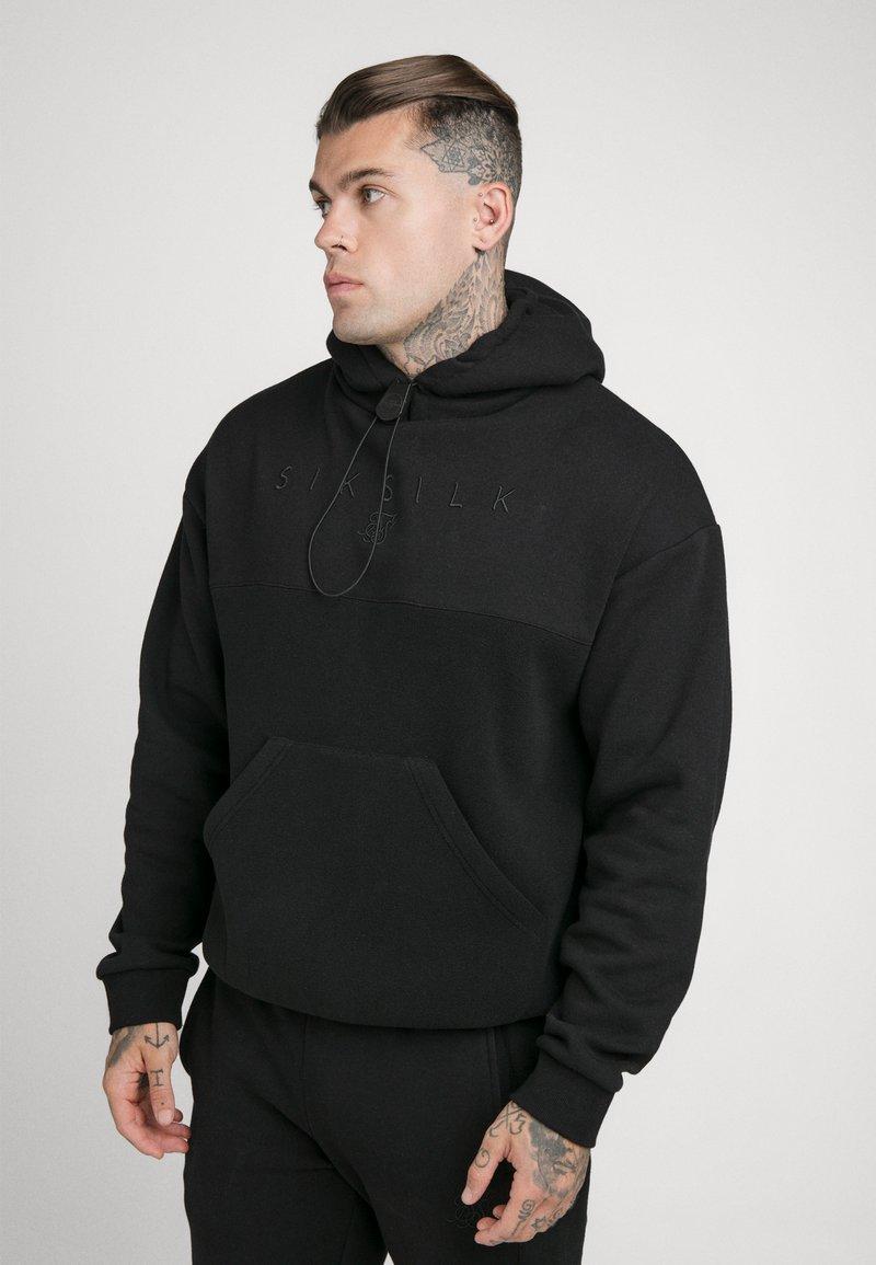 SIKSILK - OVERHEAD HOODIE - Sweatshirt - black