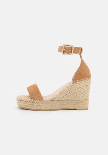 DIJON - Sandály na platformě - sable