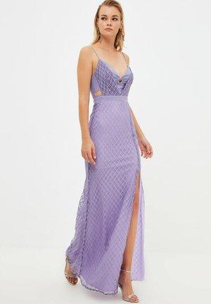 Apģērbs svinīgiem gadījumiem - purple