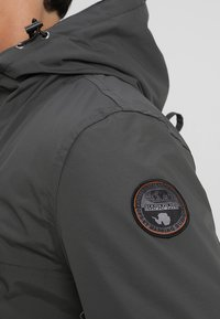 Napapijri - RAINFOREST POCKET  - Winter jacket - dark grey solid - 7
