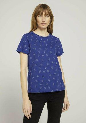 Print T-shirt - blue white leaves design