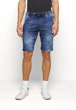 JEANSHOSEN DENIM JOGGER SHORTS - Denim shorts - blue denim