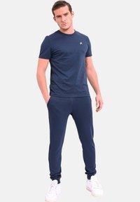 le coq sportif - ESS  - Trainingsbroek - navy blue - 1